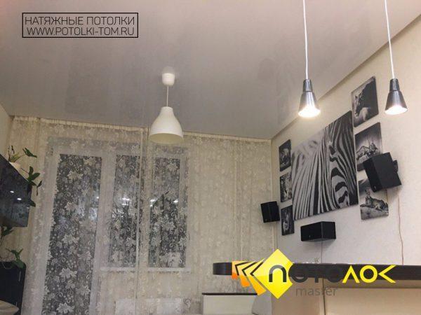 Натяжной потолок для квартиры студии фото