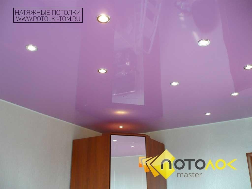 Цветной натяжной потолок фото