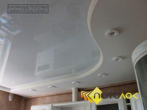 Белый глянцевый натяжной потолок стоимость в Томске и Северске. Рассчитать стоимость натяжного потолка.