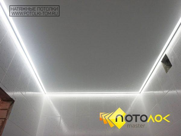 Натяжной потолок в туалете фото