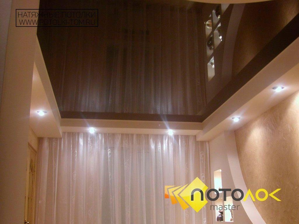 Глянцевый натяжной потолок фото