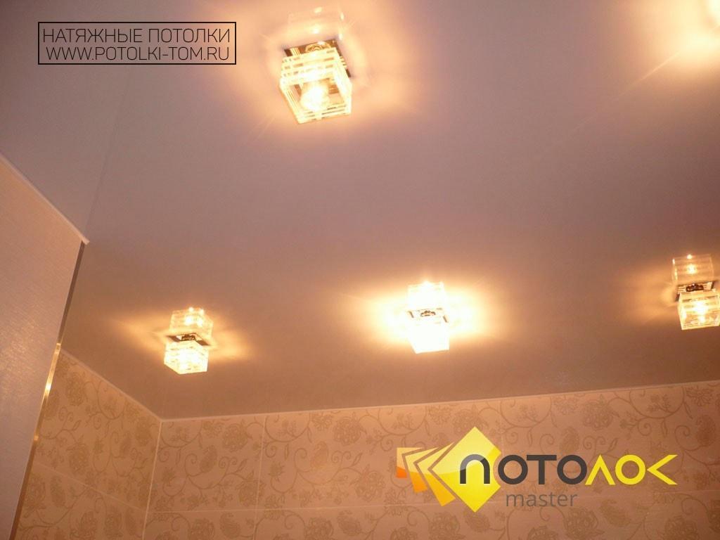 Натяжной потолок в ванной от производителя в Томске и Северске.